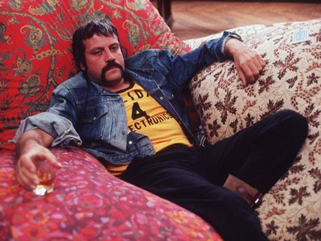 Happy Birthday, Oliver Reed! If you were still alive you\d be 90 years old and probably really drunk.
