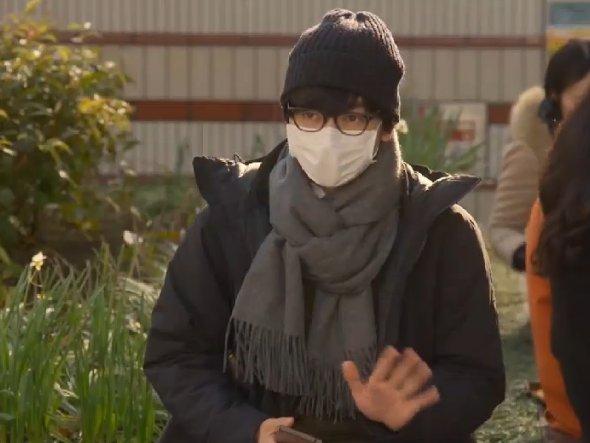 マスク姿の山村隆太さん