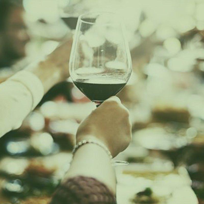 [#Vine] Ce soir, #degustation &quot;Cépages oubliés vs vins célèbres&quot; avec fromage &amp; charcuterie : @Oenoparis !!  #vin #partie #afterwork<br>http://pic.twitter.com/gXmDxS47e7