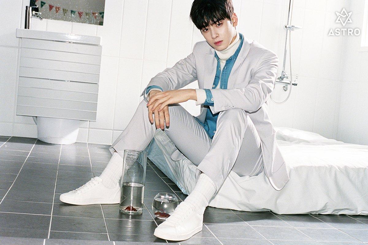 [#아스트로] 2017.02.22 0:00AM ASTRO Special Album 'Winter Dream' #붙잡았어야해 #차은우 #문빈 https://t.co/ft8o1iNjid