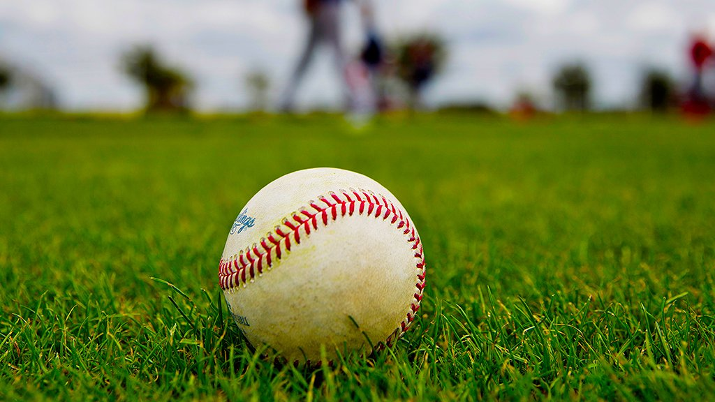 Baseball is BACK. #SpringTraining https:...