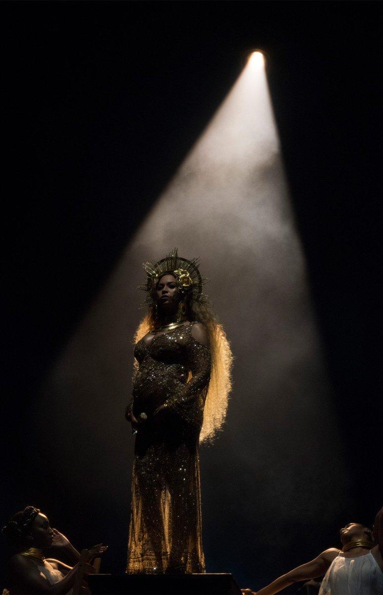Beyoncé    - Página 48 C4k1_0QW8AAUjzy