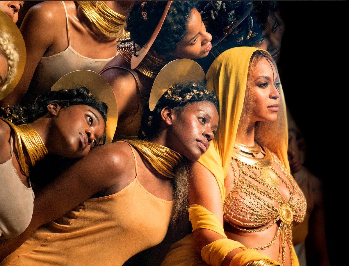 Beyoncé    - Página 48 C4k2mmtWQAIXwyu