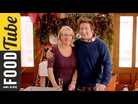 Jamie Oliver's Ham hock and clementine salad featuring Jamie's mum #Food #Jamie #recipes