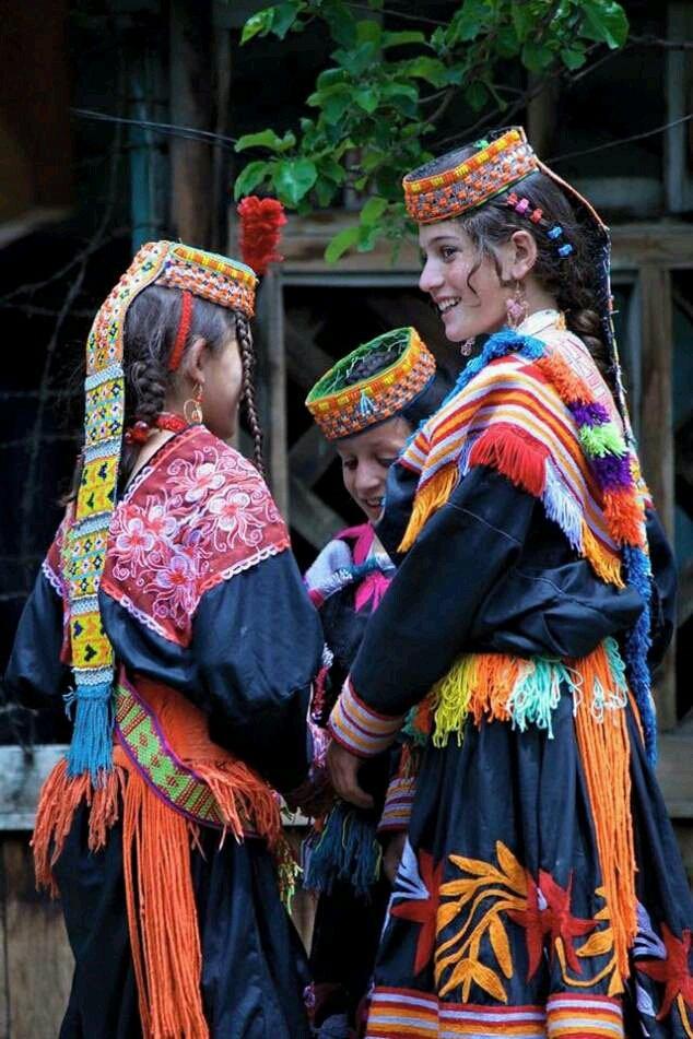 #Kalash kids during annual festival - Chilin Josh