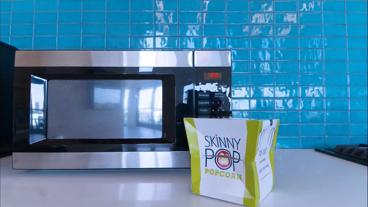 See how we pop the pop with our new SkinnyPop Microwave Popcorn. Now go grab some at Target. https://t.co/DWroPe6Ebz