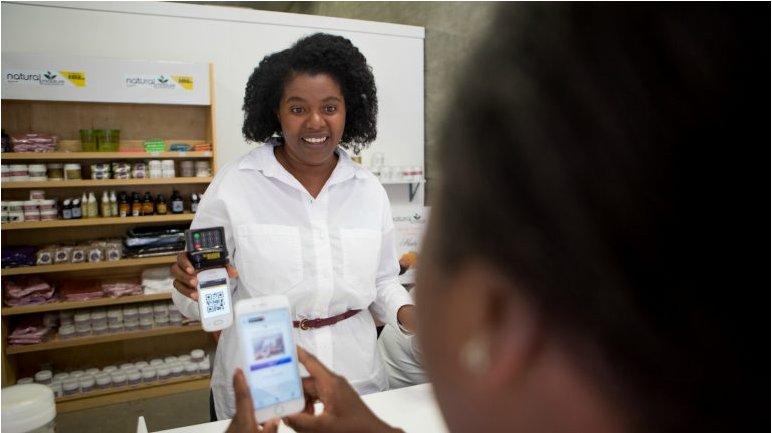 #MasterCard et #Visa parient sur le #QRCode pour contrer l'essor du #MobileMoney en #Afrique (partie 1) #Fintech  http://www. innogencepulse.com/mastercard-et- visa-parient-sur-le-qr-code-pour-contrer-lessor-du-mobile-money-en-afrique-partie-1/ &nbsp; … <br>http://pic.twitter.com/yWjM577vOk