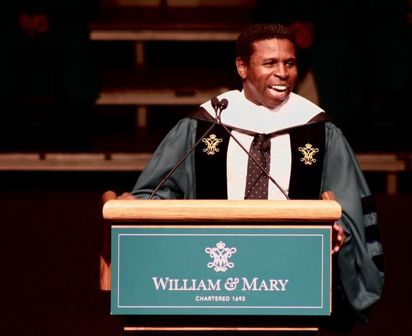 """Never stop learning; never stop growing."" -Michael ""Pinball"" Clemons '89, L.H.D '17 #whywm #wmcharterday https://t.co/QfCq4ynTbV"