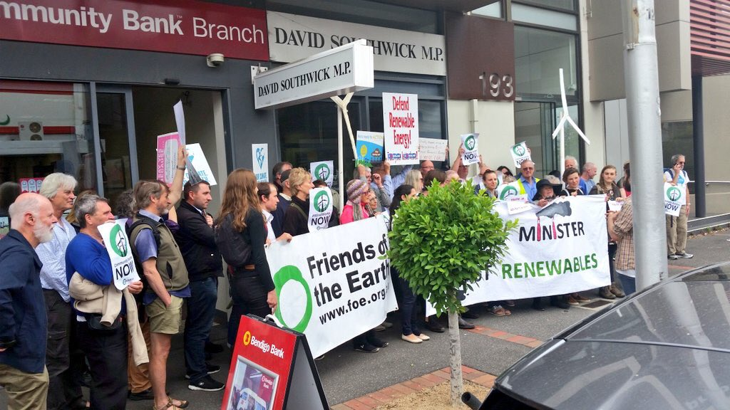 Amazing turnout of people in support of the #VRET. Shame .@SouthwickMP couldn't make it! https://t.co/1nTBRvStRZ
