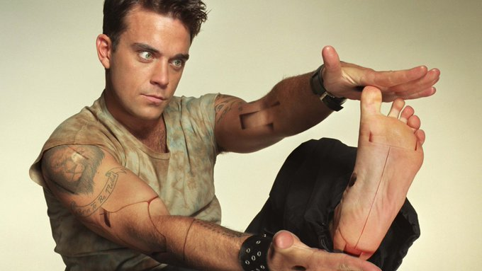 Happy Birthday Robbie Williams Robbie Williams - Better Man (Unplugged)   vía
