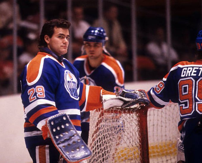 This pic has The Great One in it  Also Craig Muni and Wayne Gretzky  Happy birthday
