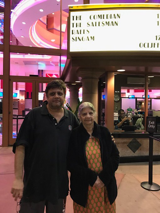 So glad I could see  @RaeesTheFilm in a public theatre in the US with mum and sis. https://t.co/Ui3Hl8J4d9