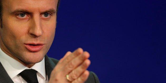 #EnMarche avec Emmanuel #Macron &quot;seul candidat à la présidentielle capable de renouveler notre système #politique&quot;  https:// goo.gl/HoC8XR  &nbsp;  <br>http://pic.twitter.com/G1gWTBXLEG