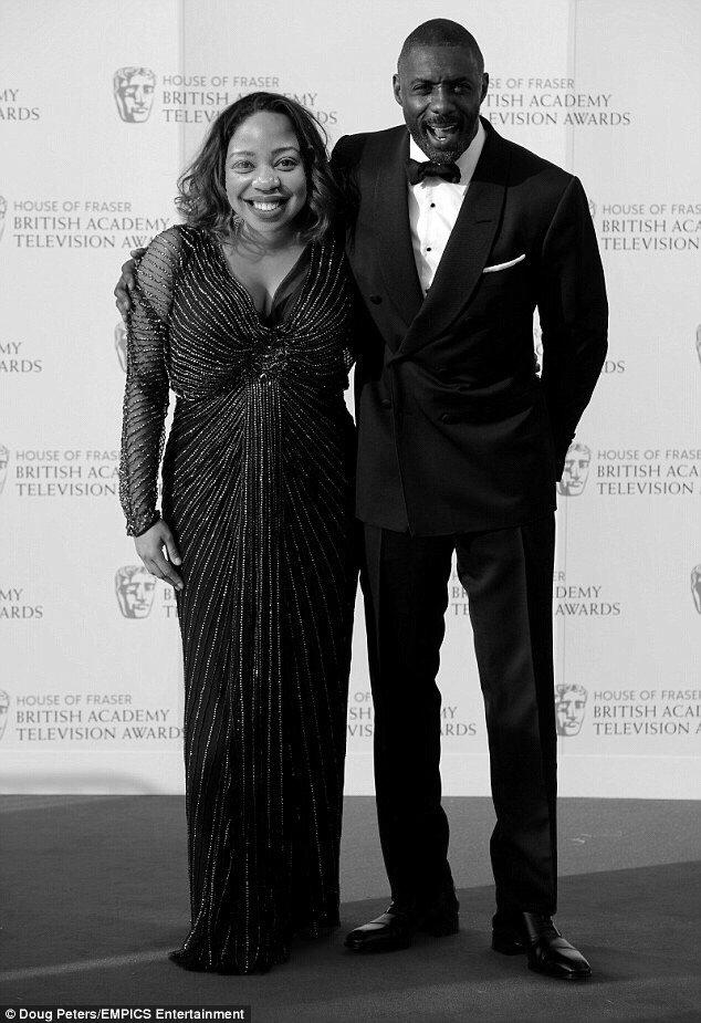 Happy Valentine's Day to @sboshmafu and her man @idriselba #KfmBreakfastLove #realpic https://t.co/VAQYy9K4Qx