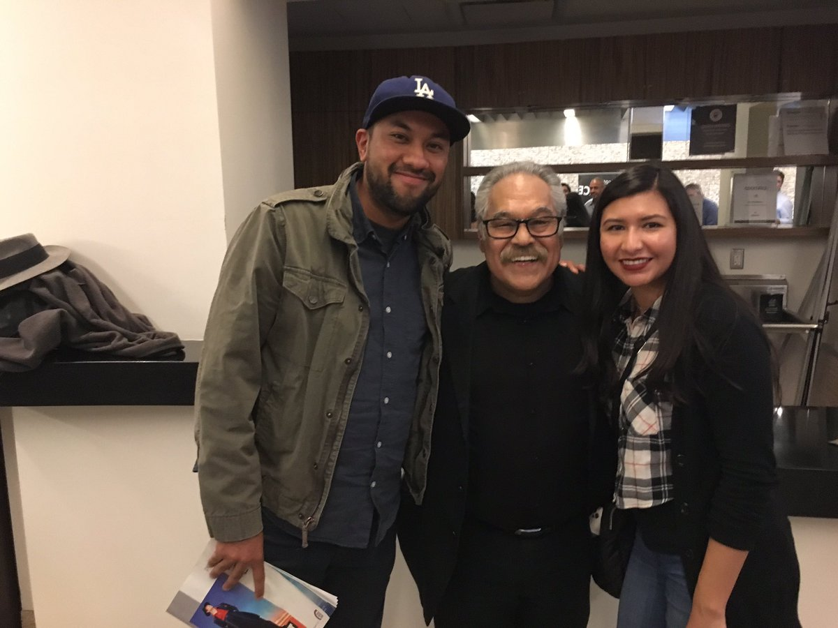 When I was younger I&#39;d watch La Bamba at least 5 times a months. Today, my girlfriend and I took a picture with the writer. #Valdez <br>http://pic.twitter.com/IdKQKP6xqM