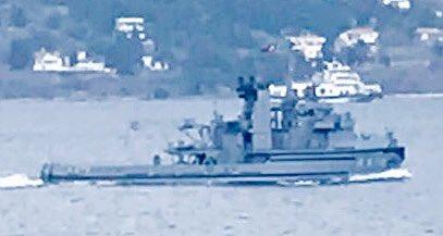 Turkish Navy tug Değirmendere / Tenace class tug TCG Değirmendere A576 (x-FS Centaure) transits Dardanelles towards Marmara