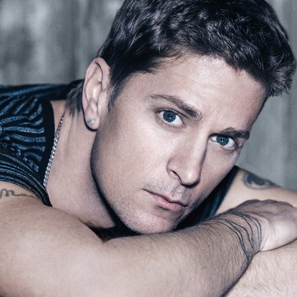 Happy 45th birthday Rob Thomas!