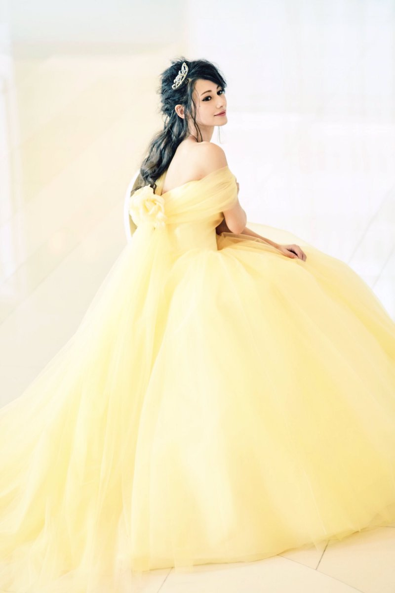 Sweet発売中❤️ 美女と野獣のベルが着てるドレスをイメージしたウエディングドレスを着させていただ…