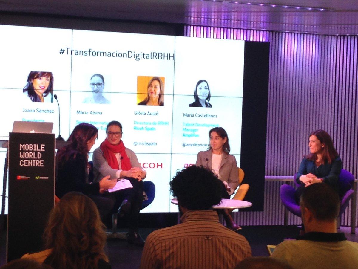 Mesa redonda de lujo, con @ricohspain @AmplifonES e #Inditex contando su #transformaciondigitalRRHH<br>http://pic.twitter.com/DAfXGxQYX4