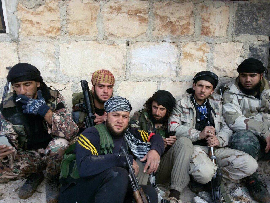 Guerre Civile en Syrie ( LISEZ LE PREMIER POST ! ) - Statut spécial  - - Page 39 C4nq8-4WYAAYpY2