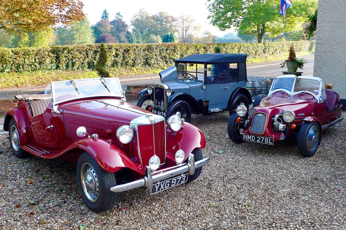 Classic Car Meet Half Moon Windlesham
