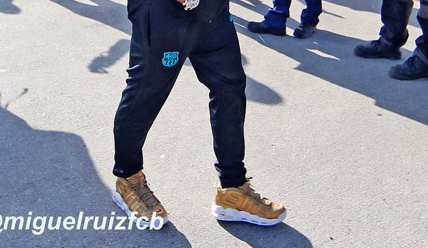 pretty nice 96e2b 44ca0 ... Air More Uptempo - spotted on the feet of  neymarjr  http   thesolesupplier.co.uk news neymar-seen-wearing-gold-coloured-supreme-x-nike- air-more-uptempo  ...