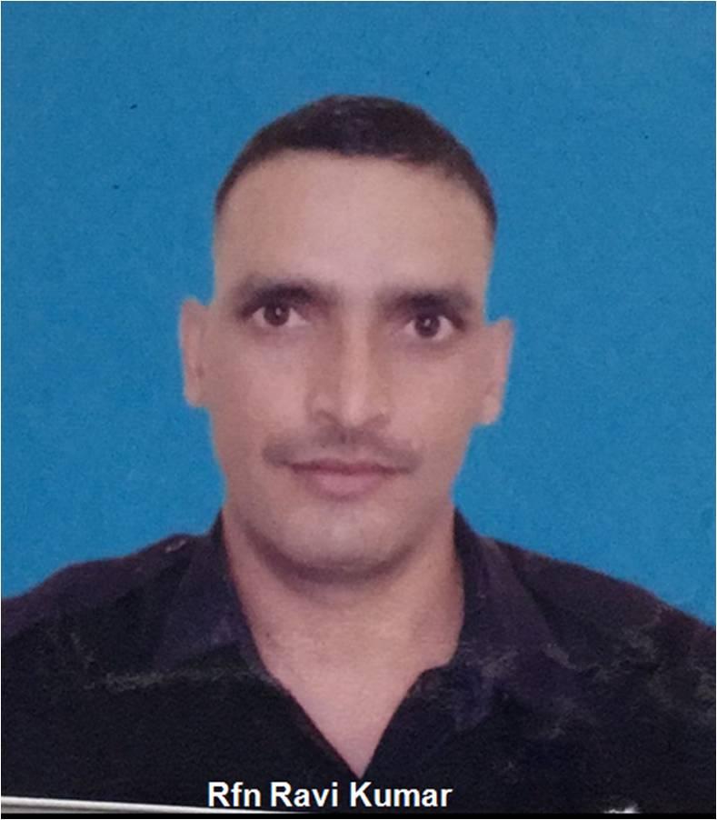 J&K: Ptr Dharmendra Kr, Rfn Ravi Kr & Gnr Astosh Kr who lost their lives in encounter between security forces & fighters in Bandipora's Hajin