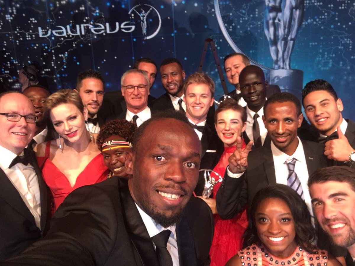 The world's greatest sporting selfie?!