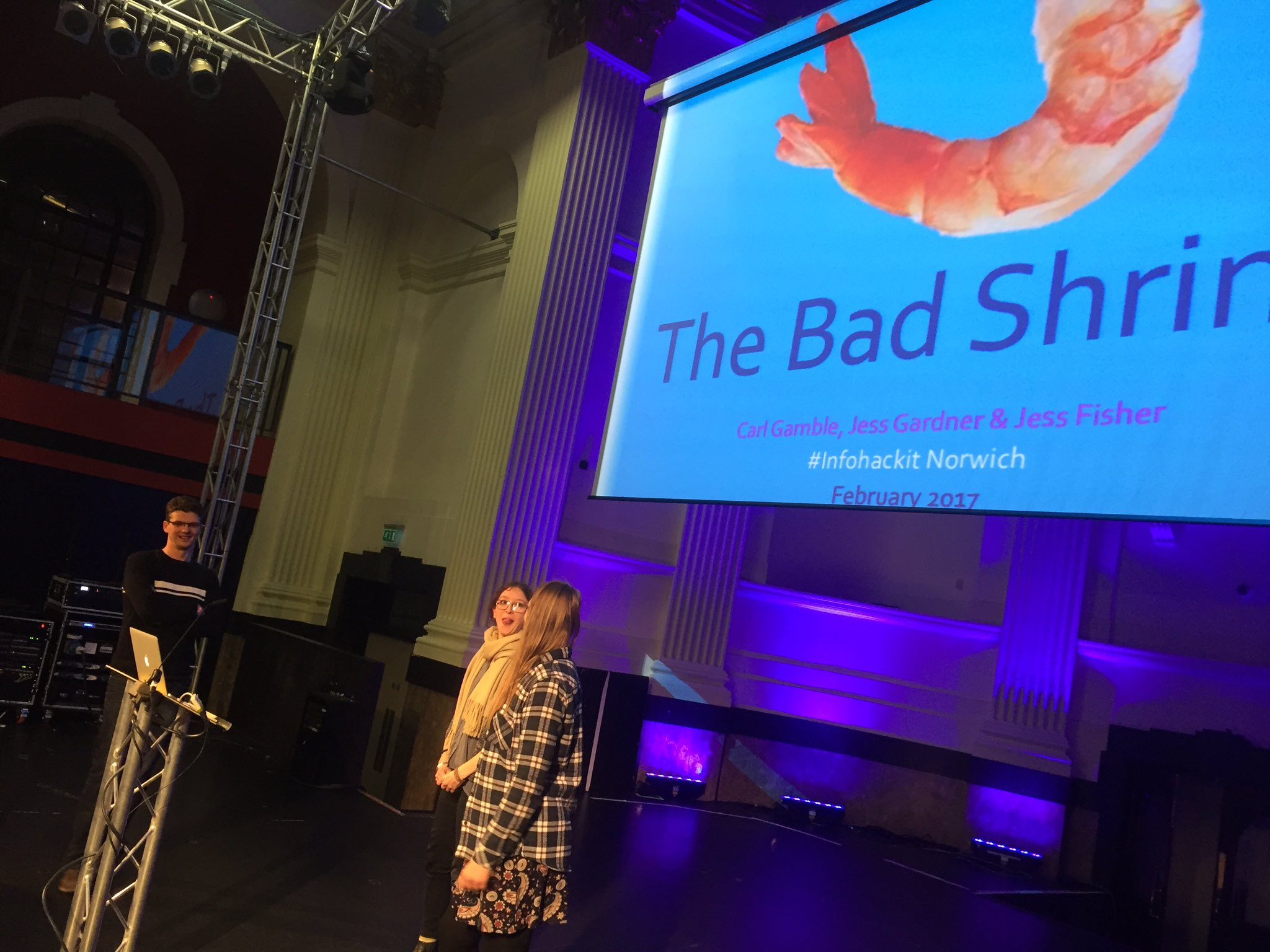 Last presentation - bad shrimp! #infohackit https://t.co/4ND9BXpabH