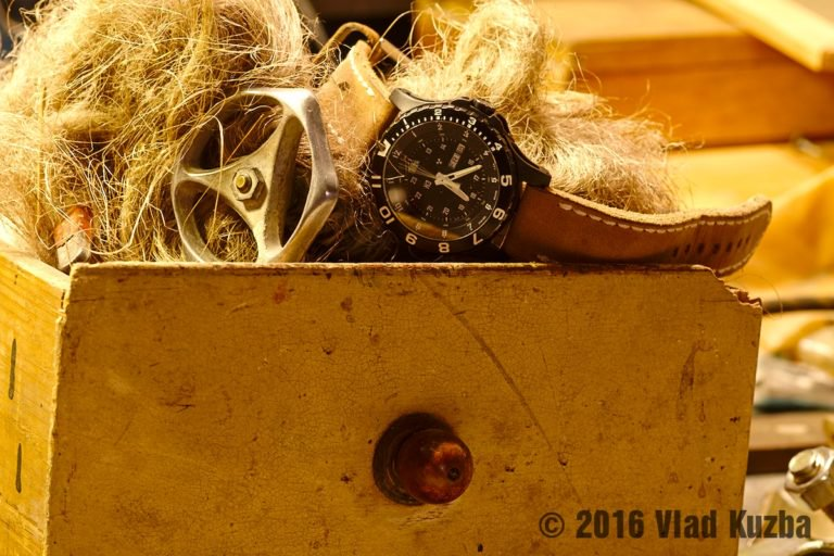 24b61d4aeb1 ... Sapphire - http   www.nosime-hodinky.cz stafetovy-test-odolnosti-putovani-hodinek-traser-p-6600-type-6-mil-g-sapphire-vii   …pic.twitter.com Ofwg4AOhKD