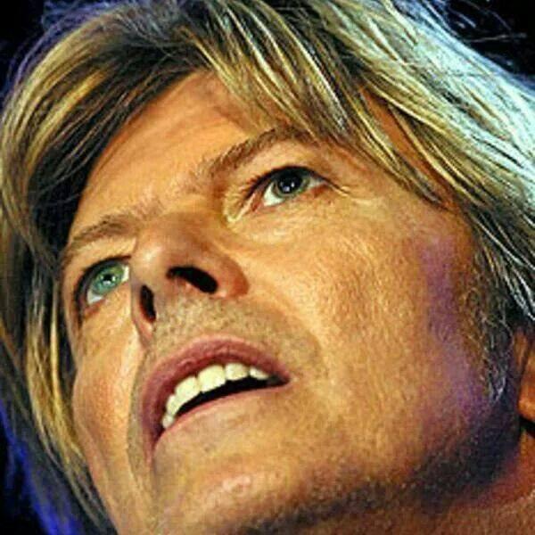 Mon Valentin pour l&#39;éternité #Bowie #DavidBowie  <br>http://pic.twitter.com/7BpoT7fS0H