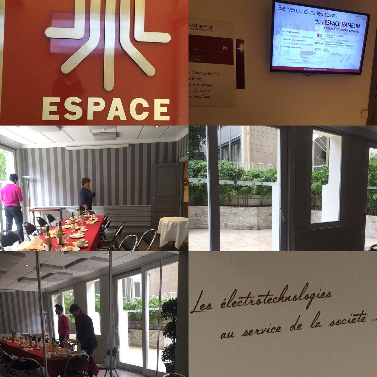 Journée #paris pour Ariase Group et la visite de futurs lieux pour des actualités futures #teaser #2017 #projets #ambitions #numerique <br>http://pic.twitter.com/BGahpp1ycs