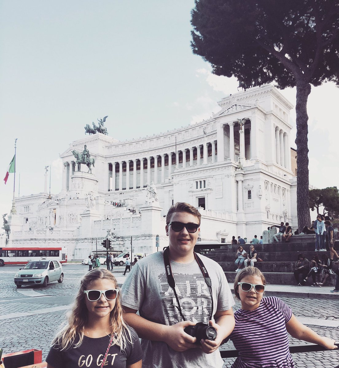 Happy #Valentines day! My 4 fav things... my 2 babies and #italy #singlemomglobetrotter @smglobetrotter<br>http://pic.twitter.com/JObDNlaKvz