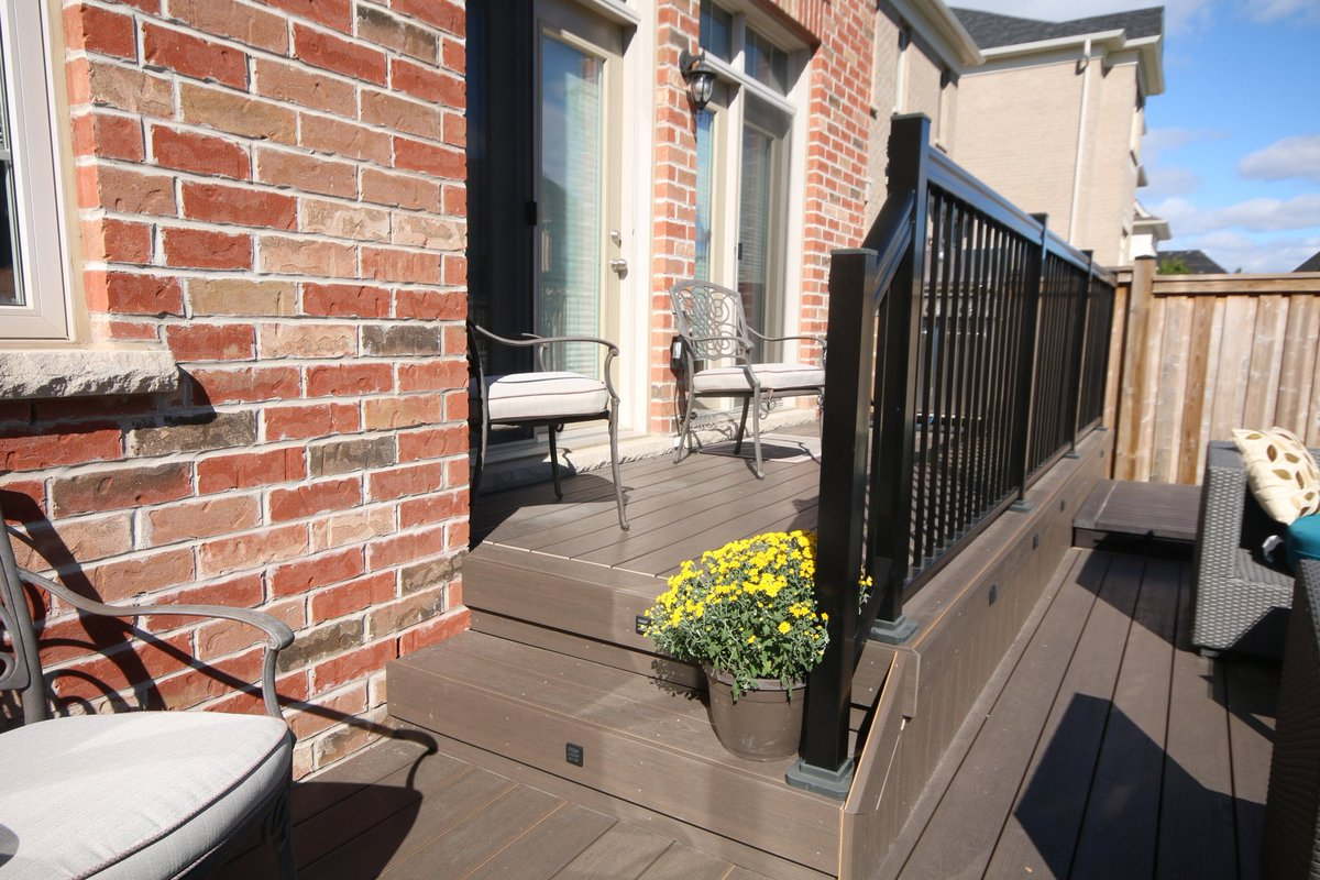 #Clubhouse deck in Brampton...@TapcoGroup<br>http://pic.twitter.com/o9N8p5AN4B
