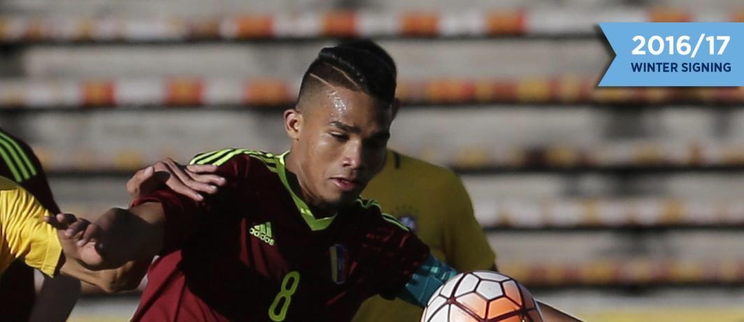 Arrivé le 31 janvier à Manchester City, le jeune vénézuélien Yangel #Herrera est prêté au #NewYorkCity FC en MLS. <br>http://pic.twitter.com/p8OwjoLZm1