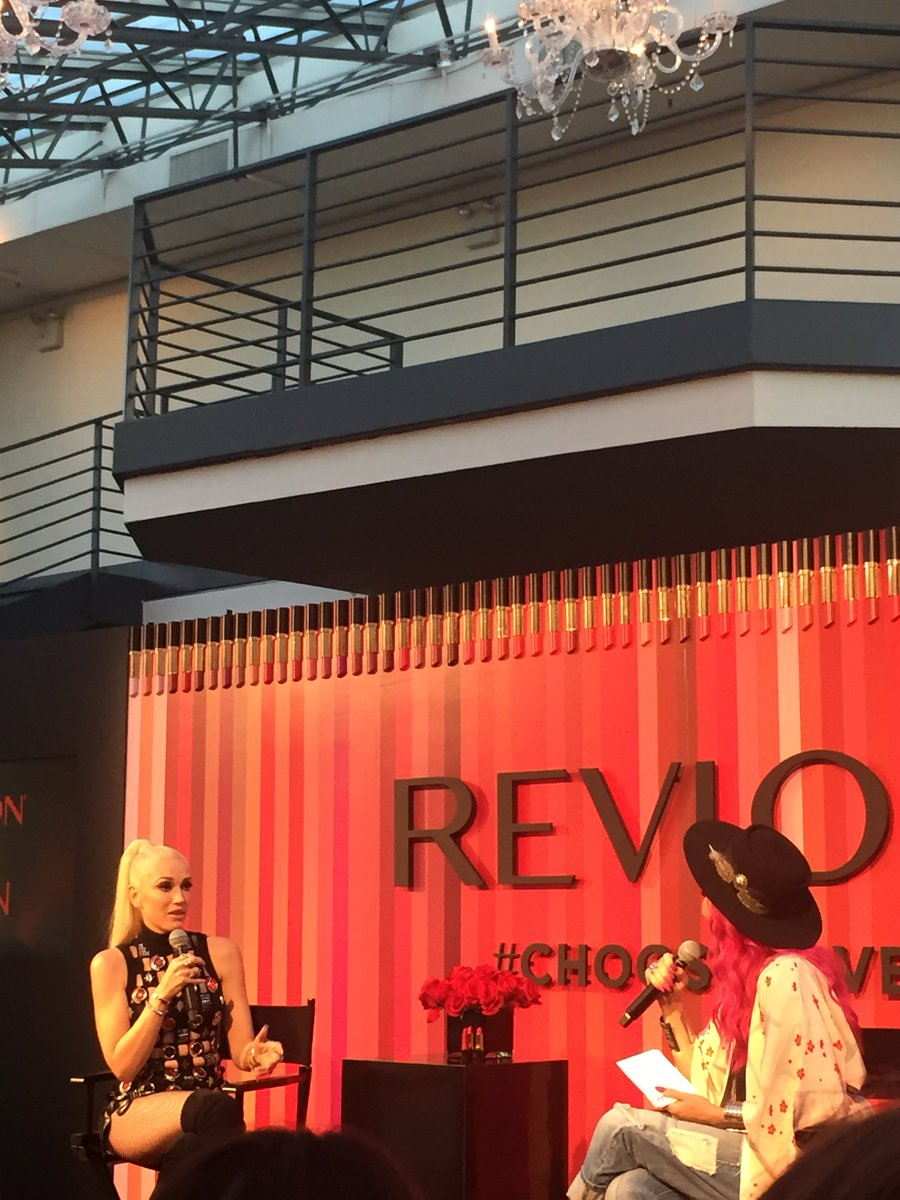 Hanging w/ @gwenstefani on V-Day....& @revlon  Too! #chooselove