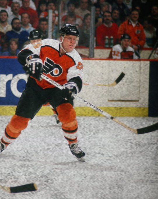 Happy birthday Brian Propp, born on this day in 1959.