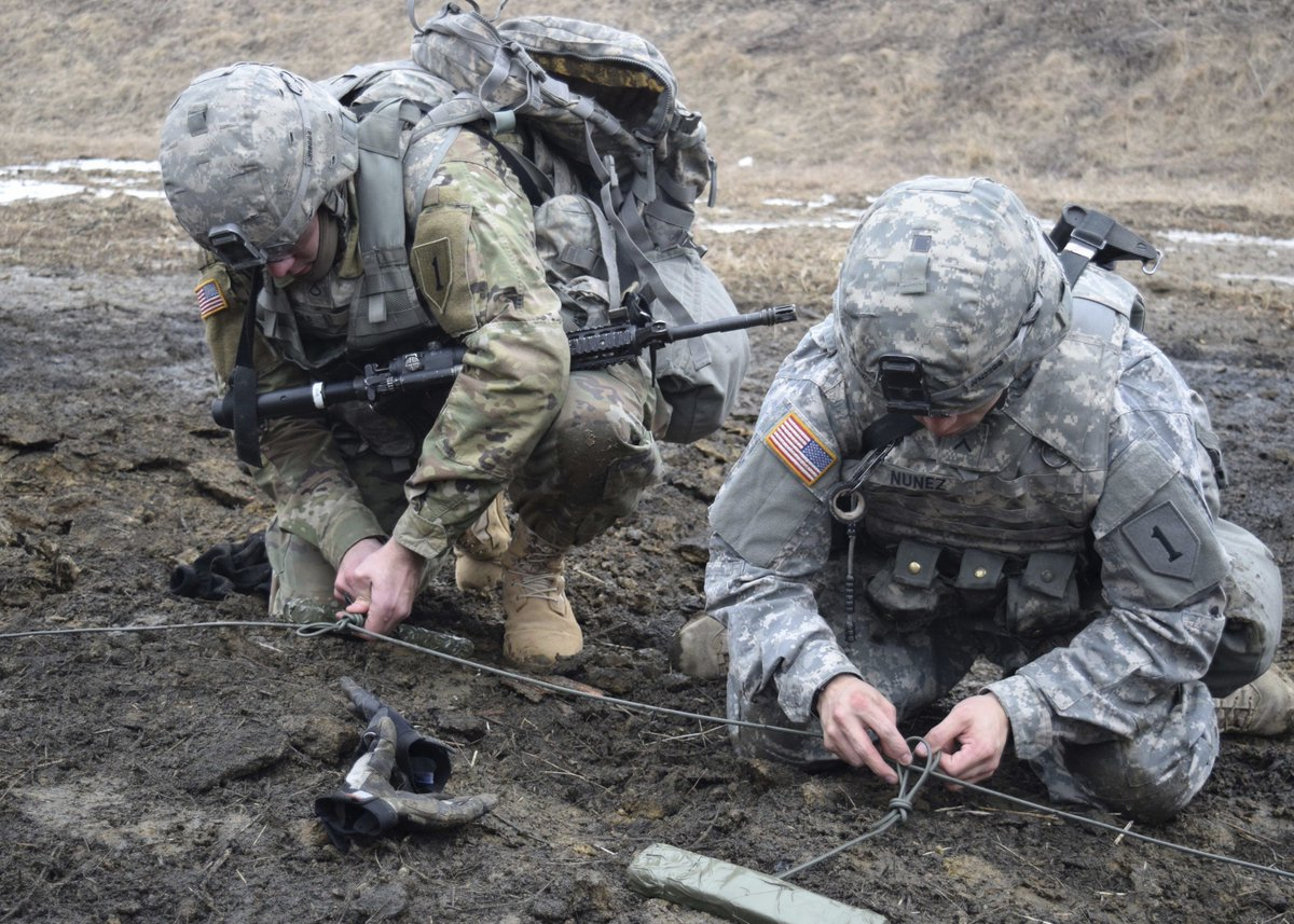 us indo pacific command on twitter usarmy combat engineers set explosives to breach obstacles during training on the korean peninsula