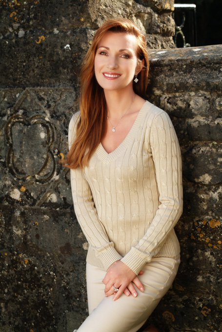 Happy Birthday to Jane Seymour, who turns 66 today!