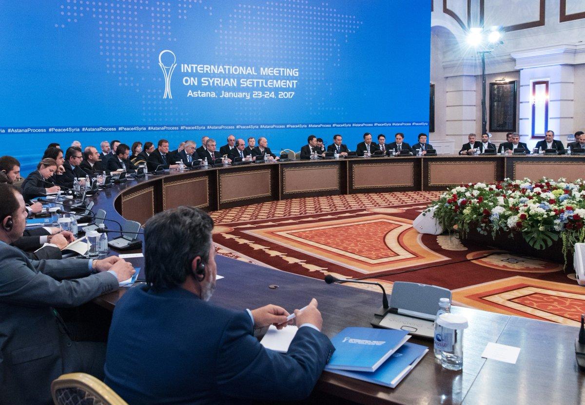 #Syrie : deuxième session de négociations #Astana, «un tremplin» pour le dialogue à #Genève  https:// francais.rt.com/international/ 34020-syrie-deuxieme-session-negociations-astana &nbsp; … <br>http://pic.twitter.com/wgvjyl9XKH