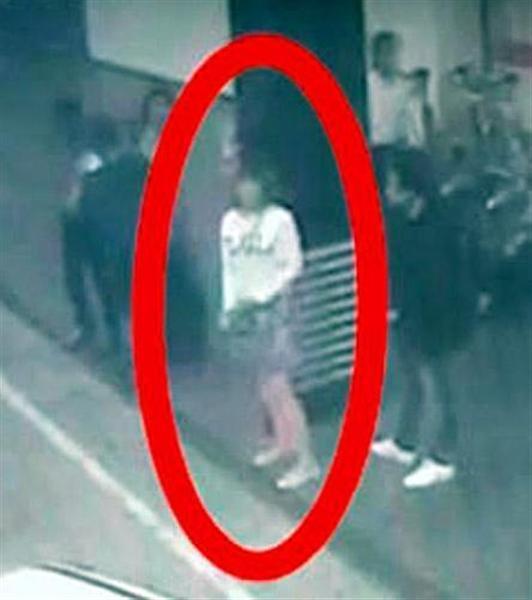 【金正男氏殺害】犯行関与の女逮捕の現地メディア報道 情報錯綜、警察「男女5人の行方追う」 sanke…