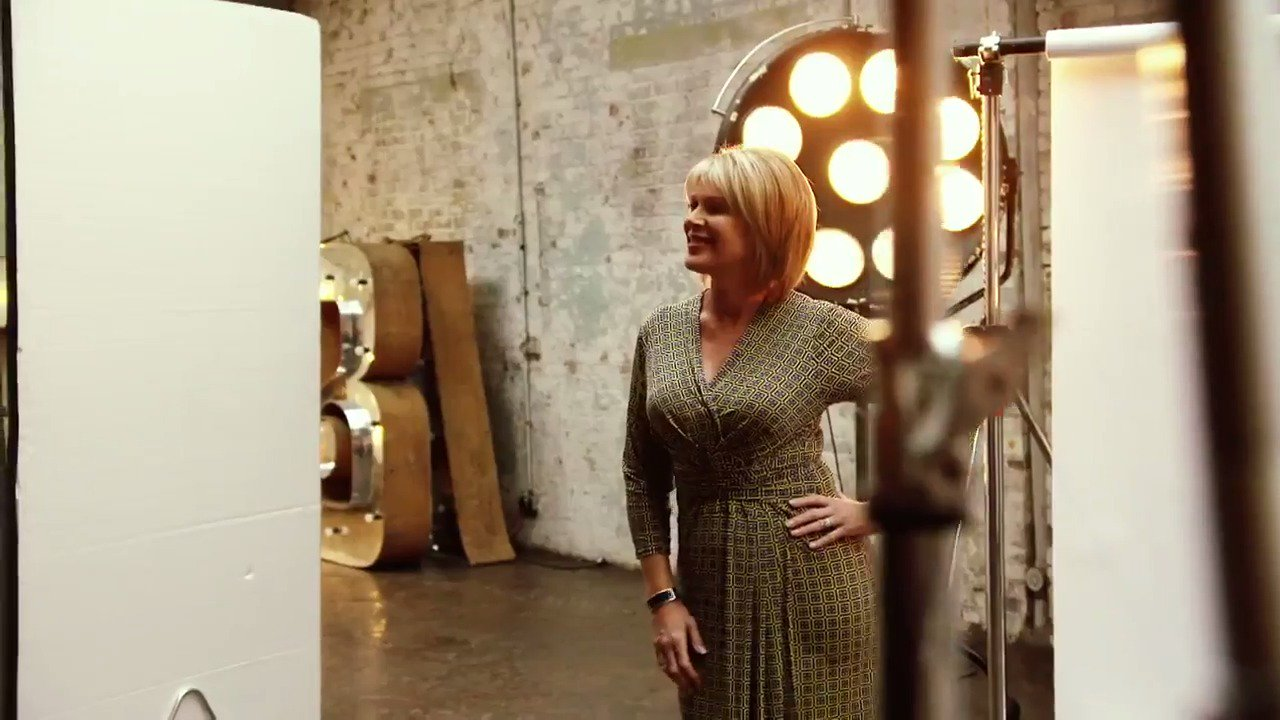 So looking forward to seeing my @RuthieeL on @qvcuk tomorrow night! Don't fall over! Xxx  https://t.co/4CSn7aQVra
