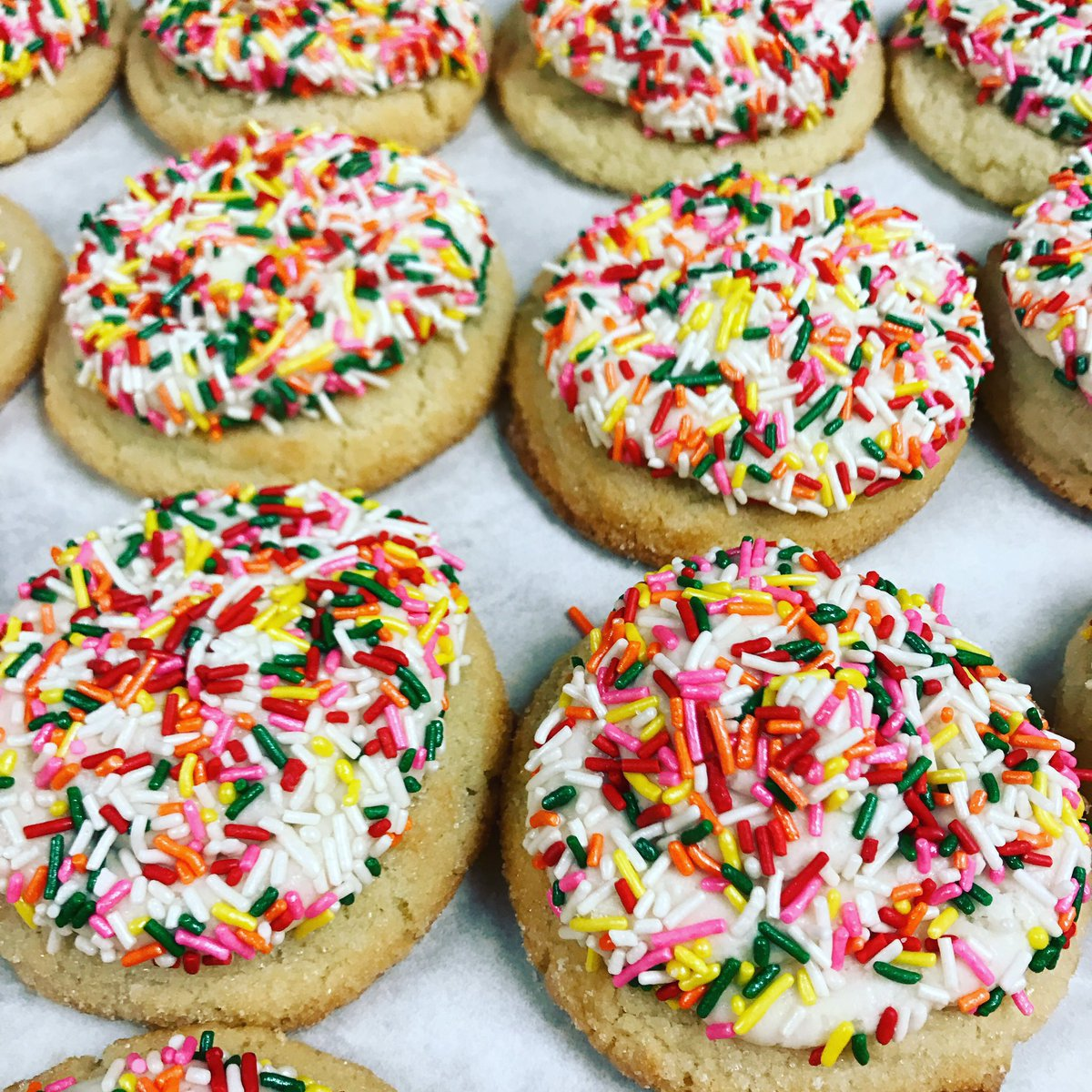 Sometimes you just need sprinkles to get you through the day.  #sprinkles #sprinklecookies #humpwednesday<br>http://pic.twitter.com/b0lkoGwdYq