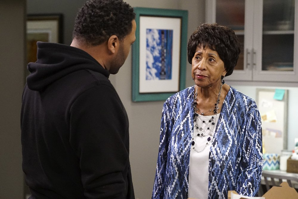 Grandma Mabel pays the Johnson household a visit on tonight's #blackis...