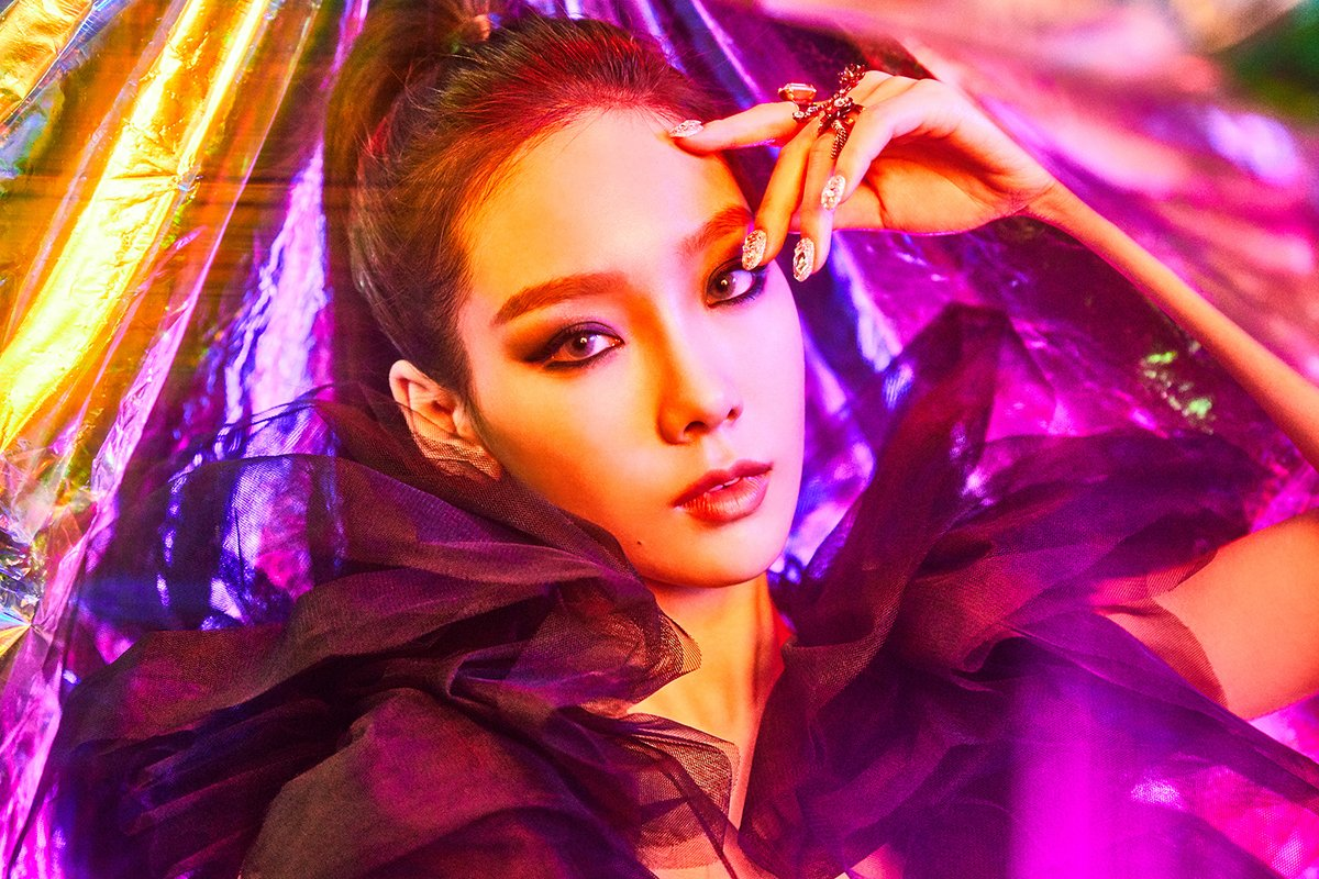 Taeyeon goes sexy and fierce in teaser images for \'I Got Love\'