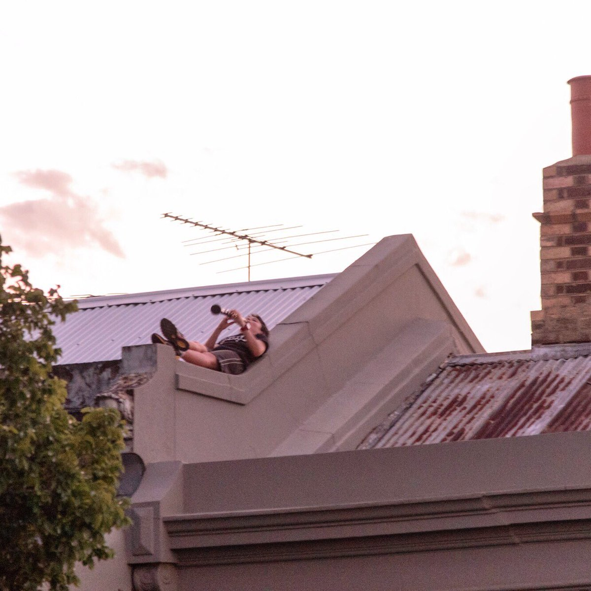 Rooftops of Fitzroy. #fitzroy #melbourne #clarinet <br>http://pic.twitter.com/nR9NcKoEHN