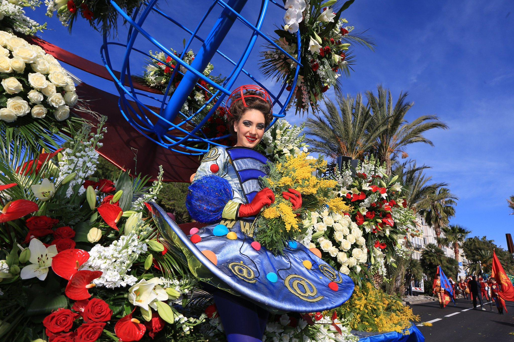 Carnaval De Nice  Defile Dans La Ville