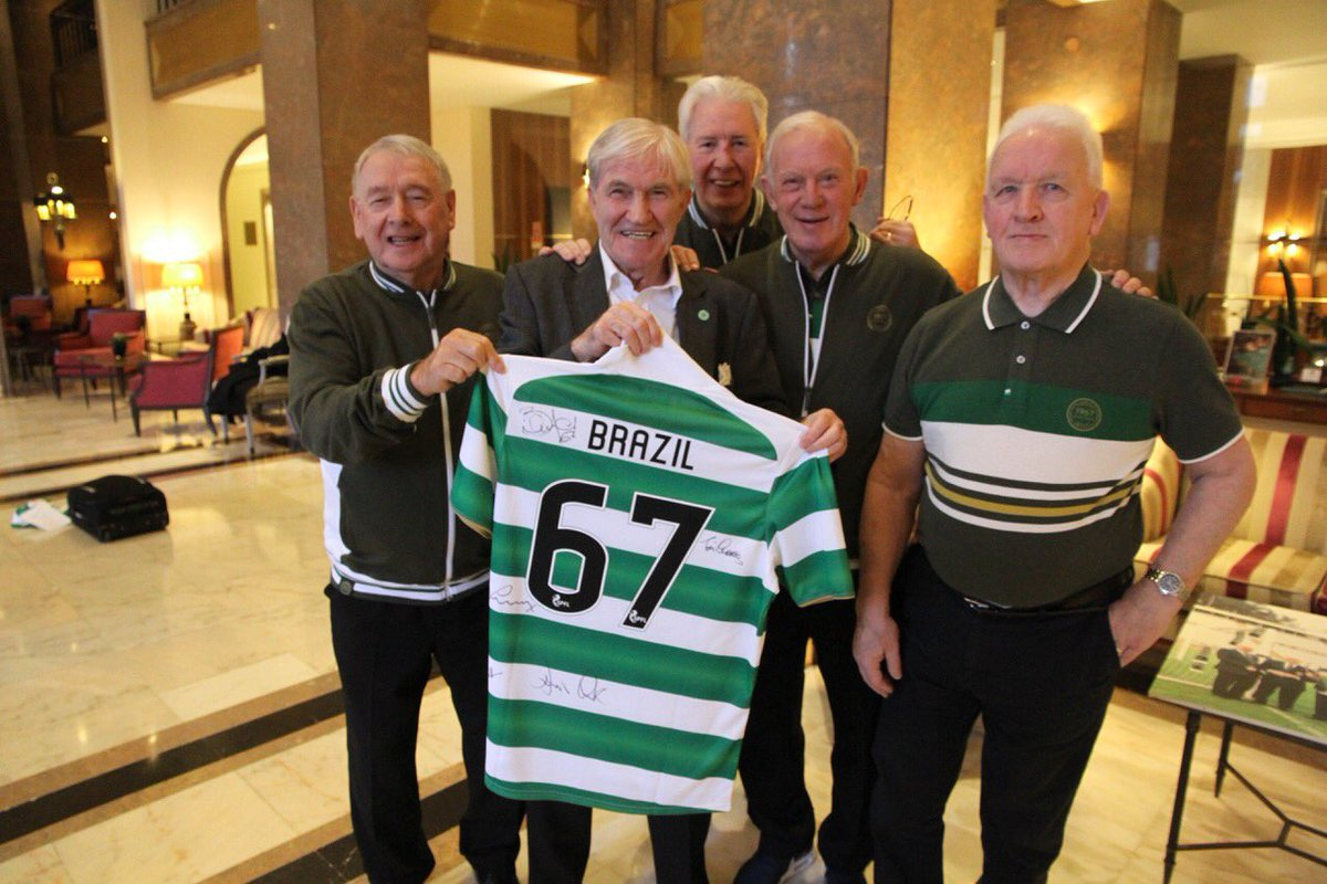 Gobsmacked! Best picture ever sent to me! Thank you Heroes (Lisbon Lions) magnificent! @LisbonLionsCSC https://t.co/ATME5kDJE1