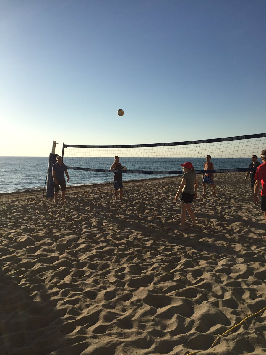 Rise and shine #AGBT17! We're back on the beach this morning for some volleyball #hardcore https://t.co/ljd9pNpRrk