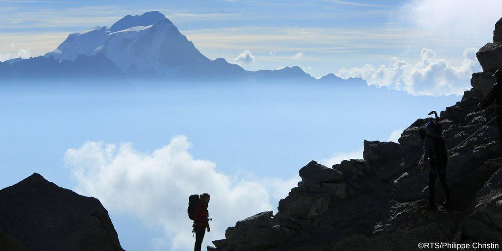 Le #Valais à l&#39;honneur dans le film Altitudes   de Pierre-Antoine Hiroz. Une co-prod RTS et @France3tv diffusée ce soir à 20h05 sur #RTSUn<br>http://pic.twitter.com/7Fer0kAOrQ
